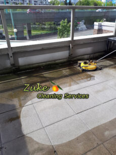 pressure washing surface cleaner for efficiency and uniform cleaning