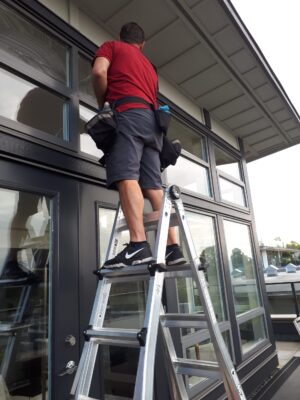 precision lint-free exterior window cleaning in vancouver