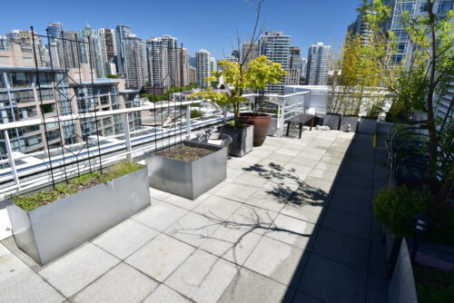 yaletown patio cleaning by power washing